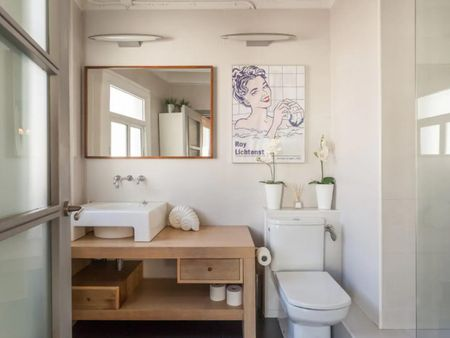 Authentic studio with balcony in Old Town of Barcelona