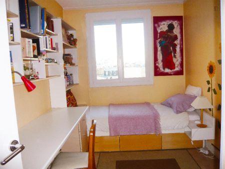 Spacious double bedroom near Commerce metro station