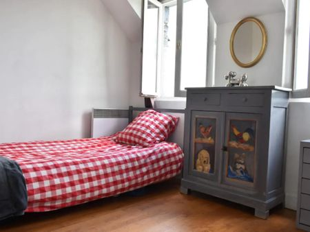 Cosy twin bedroom close to Saint-François-Xavier metro station
