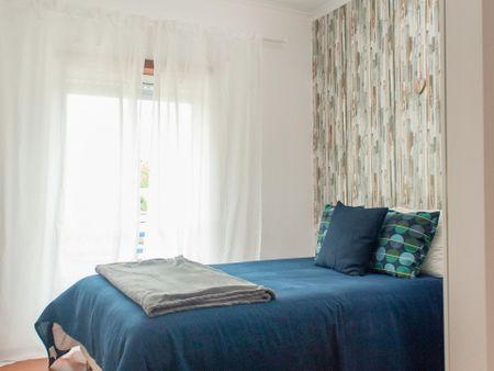 Spacious 3-bedroom apartment close to Polytechnic of Leiria