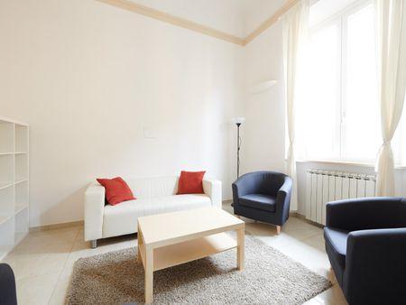 Twin bedroom in a 4-bedroom apartment near Giardino della Fortezza