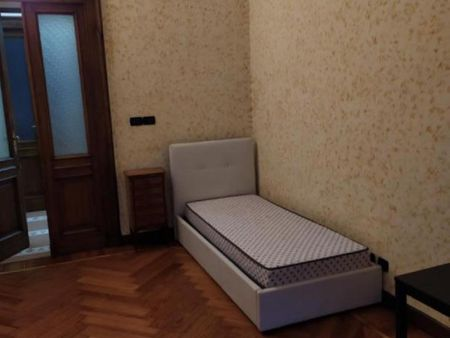Single bedroom in a 5-bedroom apartment near Principi d'Acaja metro station