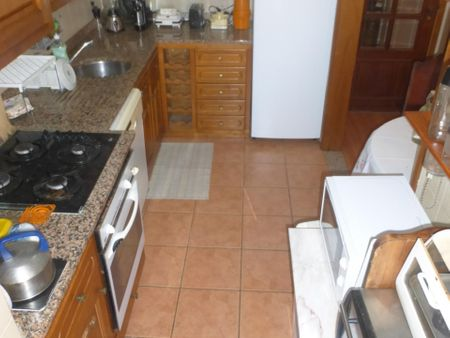 Nice single bedroom close to University of Lisbon Santa Maria Hospital