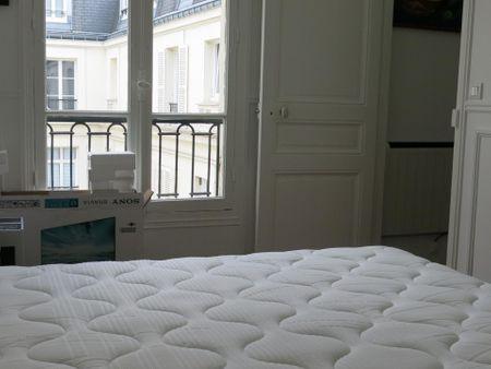 Spacious 1-bedroom apartment near Monument des Droits de l'Homme
