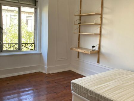 Great double bedroom around Marquês de Pombal metro station