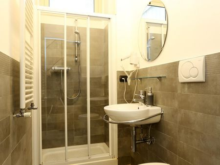 Double ensuite bedroom in a 4-bedroom apartment near Vittorio Emanuele metro station