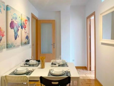 Double bedroom in a 4-bedroom apartment near Pirámides metro station