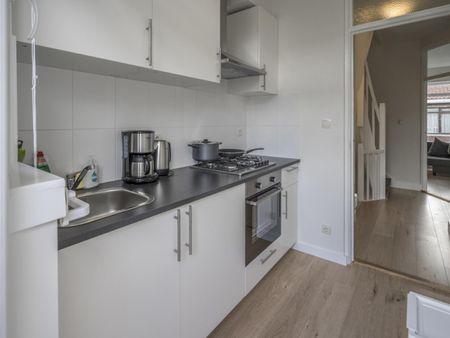 Large double bedroom in De Weteringschans