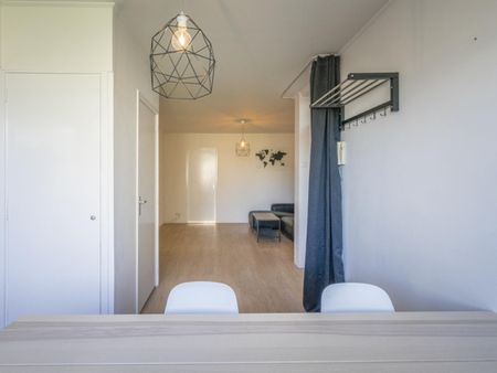 Spacious double bedroom in a 4-bedroom apartment near Buik Sloterbreek