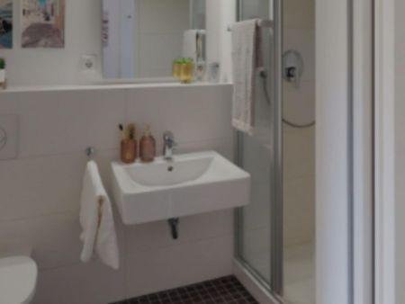 Amazing single bedroom in Stuttgart