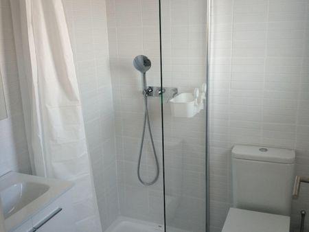 Single en-suite bedroom, all bills included, fully renovated