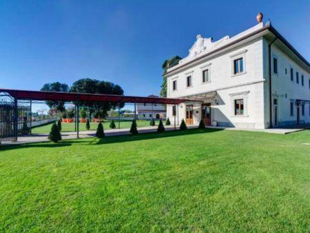 Double ensuite bedroom near Porta Romana