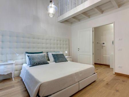 2-Bedroom elegant apartment between River and S. Maria Novella