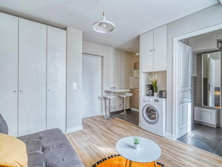 Lovely studio near Paris Montparnasse transport station