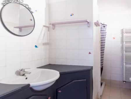 Cozy 2-bedroom apartment near Via Palizzi dopo Via Mambretti tram stop