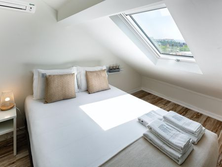 Nice Attic Suite in JR Studios Suites