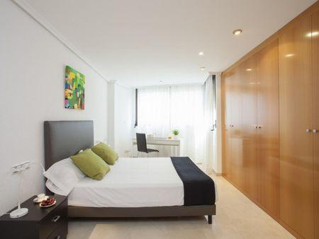 Cool 2-bedroom apartment near Marítim - Serrería metro station