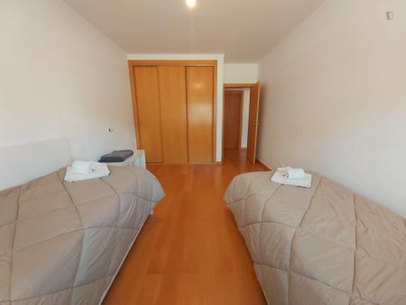 2-Bedroom apartment near Escola Superior de Comunicação Social (ESCS)