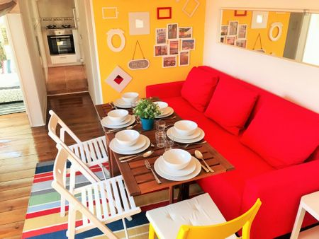 Alluring 2-bedroom apartment near Santos train station