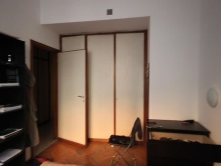 Spacious double bedroom in a 5-bedroom apartment near Parco Giovanni Paolo II