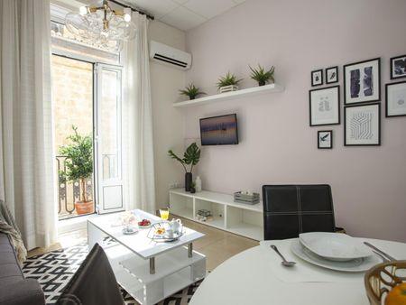 Cozy 1-bedroom apartment near Porta de Serrans