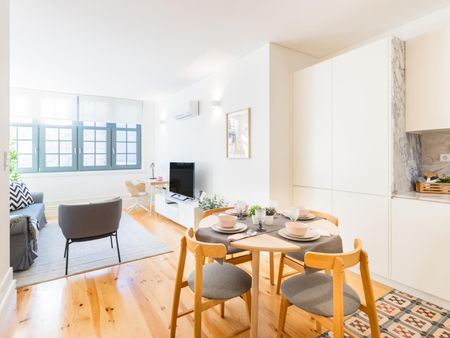 Cool 2-bedroom apartment near 24 de Agosto metro station