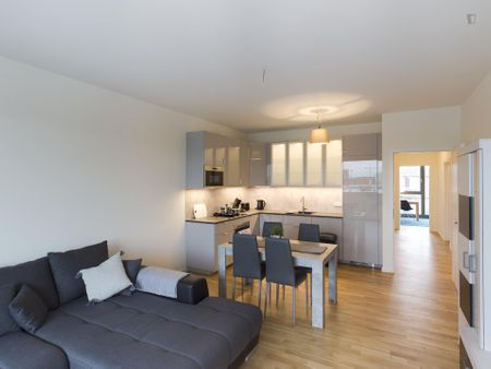 Modern 3-bedroom apartment near Waldeck Park