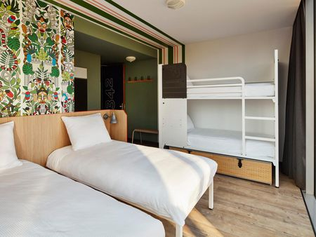 Bed in a shared 4-bed dorm, in a hostel in Oosterpark