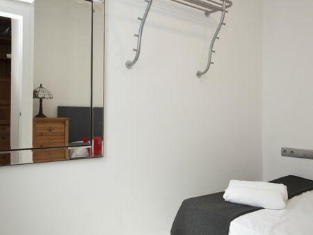 3-Bedroom apartment near Túria metro station