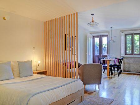 Modern 2-bedroom apartment near Aliados metro station