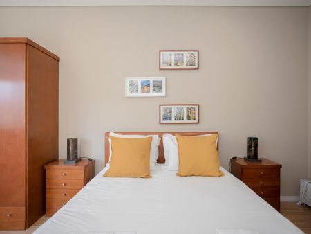 Charming 2-bedroom apartment near Marquês metro station
