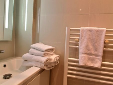 Charming studio near Saint-Philippe-du-Roule metro station