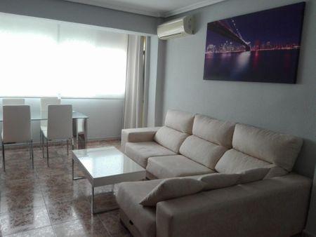 2-Bedroom apartment near Nou d'Octubre metro station