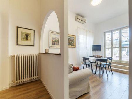 Charming 1-bedroom apartment near Parco della Mole Adriana