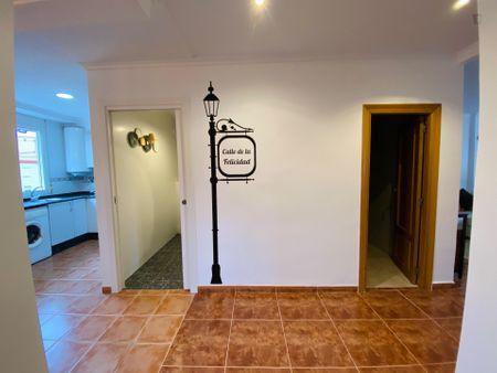 3-Bedroom apartment near València-Cabanyal train station