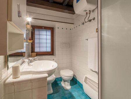 Snug 1-bedroom apartment near Colosseo metro station
