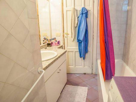 Double bedroom in 3 bedrooms apartment