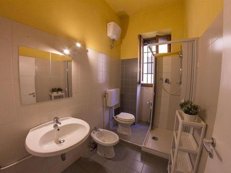 Cool double bedroom in a 5-bedroom apartment near Parco di Villa 'Il Ventaglio'