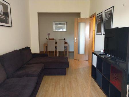Comfy double bedroom close to Intendente metro