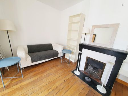 Beautiful studio near Saint-Ambroise metro station