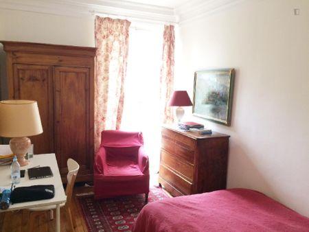 Nice single bedroom close-by Tour Eiffel