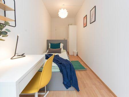Nice single bedroom in a 5-bedroom apartment near S Landsberger Allee transport station