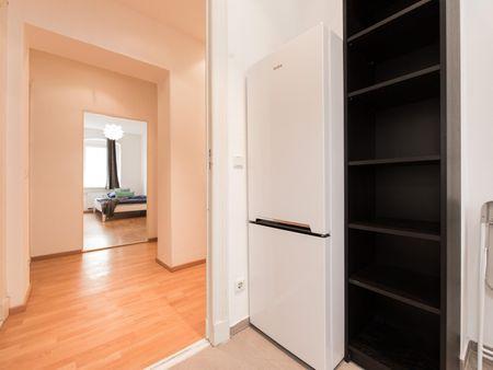 Cozy single bedroom in a 5-bedroom apartment near U Frankfurter Tor metro station