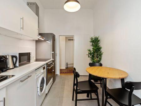Cozy double bedroom in a 2-bedroom apartment near Wien Traisengasse train station
