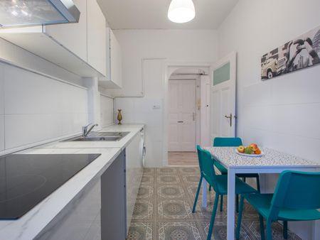 Spacious single bedroom in a 4-bedroom apartment in Spandau