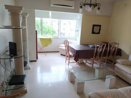 Double bedroom in a 3-bedroom apartment near Odivelas metro station