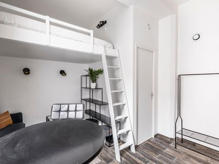 Studio near Porte de Saint-Ouen metro station