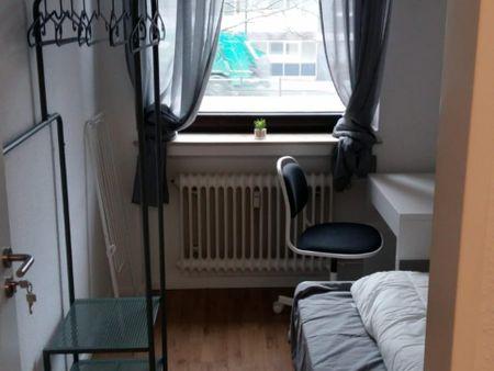 Comfy single bedroom in Wersten