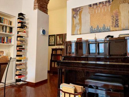 Charming and bright 2-bedroom apartment in Porta Venezia