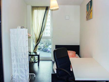 Neat single bedroom not far from Wirtschaftswissenschaftliche Fakultät der Humboldt-Universität zu Berlin